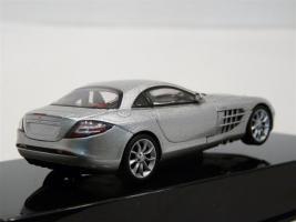 Прикрепленное изображение: Mercedes-Benz SLR McLaren Autoart B66961976-R.jpg