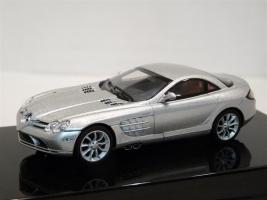 Прикрепленное изображение: Mercedes-Benz SLR McLaren Autoart B66961976.jpg