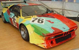 Прикрепленное изображение: BMW-M1-Andy-Warhol-Art-Car-sa-lr.jpg
