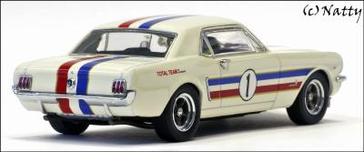 Прикрепленное изображение: 1966 Ford Mustang ATCC Winner Ian \'Pete\' Geoghegan Total Team - Apex Replicas - AR0202 - 2_small.jpg