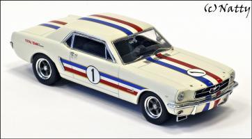 Прикрепленное изображение: 1966 Ford Mustang ATCC Winner Ian \'Pete\' Geoghegan Total Team - Apex Replicas - AR0202 - 3_small.jpg