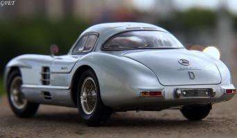 Прикрепленное изображение: Mercedes-Benz 300SLR Uhlenhaut Coupe (W196 S) 49.jpg