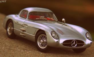 Прикрепленное изображение: Mercedes-Benz 300SLR Uhlenhaut Coupe (W196 S) 60.jpg