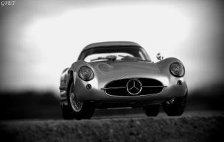Прикрепленное изображение: Mercedes-Benz 300SLR Uhlenhaut Coupe (W196 S) 58.jpg