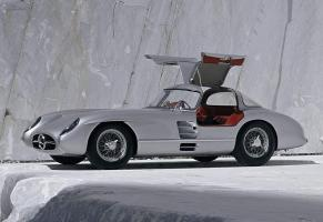 Прикрепленное изображение: mercedes-benz 300slr uhlenhaut coupe 4.jpg