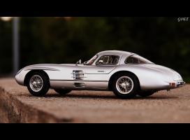 Прикрепленное изображение: Mercedes-Benz 300SLR Uhlenhaut Coupe (W196 S) 54!.jpg