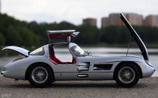 Прикрепленное изображение: Mercedes-Benz 300SLR Uhlenhaut Coupe (W196 S) 30.jpg