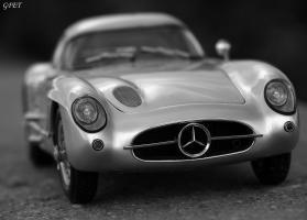 Прикрепленное изображение: Mercedes-Benz 300SLR Uhlenhaut Coupe (W196 S) 62.jpg