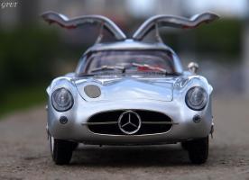Прикрепленное изображение: Mercedes-Benz 300SLR Uhlenhaut Coupe (W196 S) 16.jpg