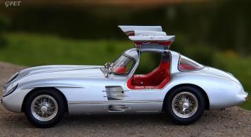 Прикрепленное изображение: Mercedes-Benz 300SLR Uhlenhaut Coupe (W196 S) 25.jpg