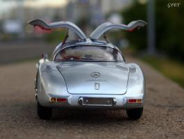 Прикрепленное изображение: Mercedes-Benz 300SLR Uhlenhaut Coupe (W196 S) 19.jpg
