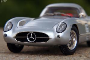 Прикрепленное изображение: Mercedes-Benz 300SLR Uhlenhaut Coupe (W196 S) 42.jpg