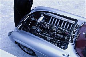 Прикрепленное изображение: Mercedes.JPG