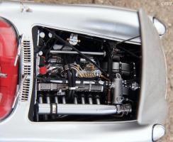 Прикрепленное изображение: Mercedes-Benz 300SLR Uhlenhaut Coupe (W196 S) 36.jpg