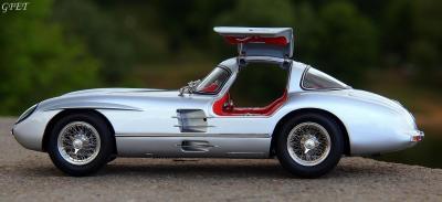 Прикрепленное изображение: Mercedes-Benz 300SLR Uhlenhaut Coupe (W196 S) 17.jpg
