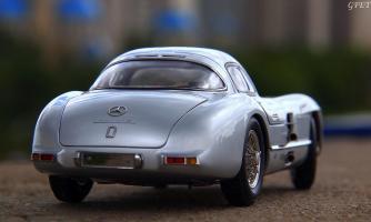 Прикрепленное изображение: Mercedes-Benz 300SLR Uhlenhaut Coupe (W196 S) 10!.jpg