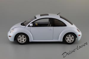 Прикрепленное изображение: Volkswagen New Beetle Autoart 79732_02.JPG