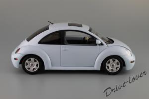 Прикрепленное изображение: Volkswagen New Beetle Autoart 79732_03.JPG