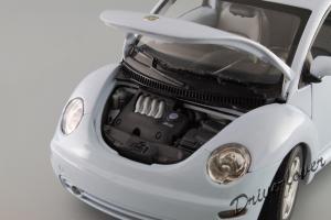 Прикрепленное изображение: Volkswagen New Beetle Autoart 79732_11.JPG