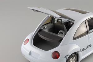Прикрепленное изображение: Volkswagen New Beetle Autoart 79732_08.JPG