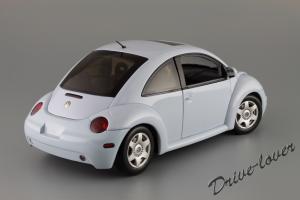 Прикрепленное изображение: Volkswagen New Beetle Autoart 79732_06.JPG