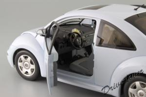 Прикрепленное изображение: Volkswagen New Beetle Autoart 79732_10.JPG