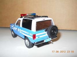 Прикрепленное изображение: Colobox_Ford_Bronco_2_NYPD_PremiumX~04.jpg