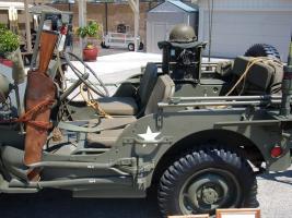 Прикрепленное изображение: 1945_Willys_jeep_with_trailer_2.JPG