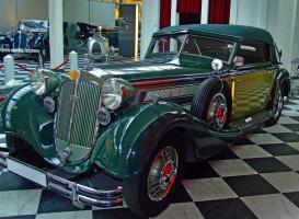 Прикрепленное изображение: August_Horch_Museum_Zwickau_-_gravitat-OFF_-_Horch_Cabriolet_853.jpg
