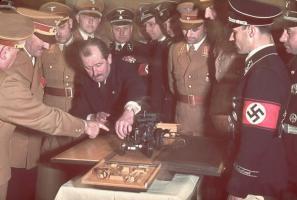 Прикрепленное изображение: Hitler\'s 50th Birthday (16).jpg