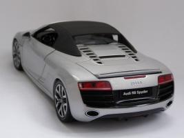 Прикрепленное изображение: Audi R8 Spyder (2).JPG