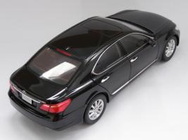 Прикрепленное изображение: Lexus LS460 (2).JPG
