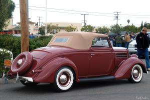 Прикрепленное изображение: 1936_ford_convertible_-_brown_-_rvr-med.jpg