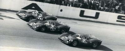 Прикрепленное изображение: 1967-Daytona-24-Hours-Finish.jpg