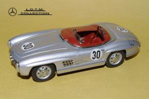 Прикрепленное изображение: 49. 1957 W198-II 300SLS #30 Paul O\'Shea (Schuco) (2).JPG