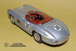 Прикрепленное изображение: 49. 1957 W198-II 300SLS #30 Paul O\'Shea (Schuco) (3).JPG