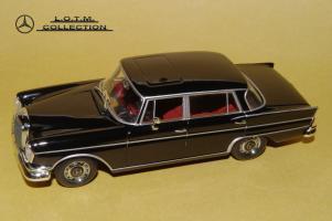 Прикрепленное изображение: 62. 1963 W112 300SE Lang (Minichamps) (2).JPG