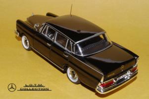 Прикрепленное изображение: 53. 1959 W111 220SE 4-door (Vitesse) (3).JPG