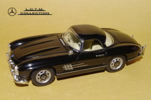 Прикрепленное изображение: 48. 1957 W198-II 300SL (Schuco) (2).JPG