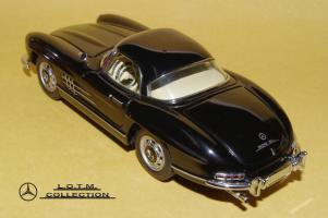 Прикрепленное изображение: 48. 1957 W198-II 300SL (Schuco) (3).JPG