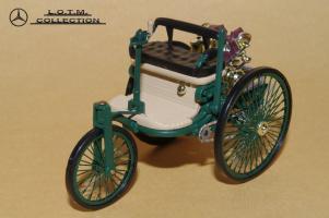 Прикрепленное изображение: 1. 1886 Benz Patent Motorwagen (1).JPG