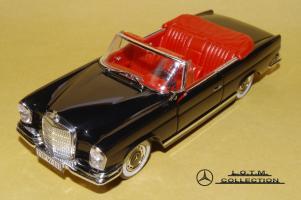 Прикрепленное изображение: 57. 1961 W111 220SE Cabrio (Faller) (1).JPG