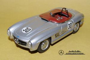 Прикрепленное изображение: 49. 1957 W198-II 300SLS #30 Paul O\'Shea (Schuco) (1).JPG