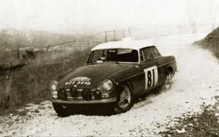 Прикрепленное изображение: 1964-chop-shop-MGB-rally-car-old-photo.jpg