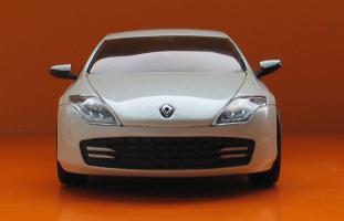 Прикрепленное изображение: Renault Laguna Coupe-03.JPG