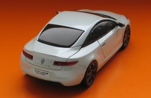 Прикрепленное изображение: Renault Laguna Coupe-02.JPG