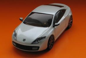 Прикрепленное изображение: Renault Laguna Coupe-01.JPG