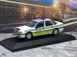 Прикрепленное изображение: Vauxhall Cavalier Mk3 Sri P1010153.JPG
