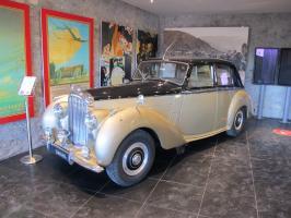 Прикрепленное изображение: 1955 Bentley Type R-01.JPG