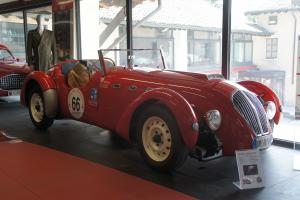 Прикрепленное изображение: 1950 Healey Silverstone.JPG